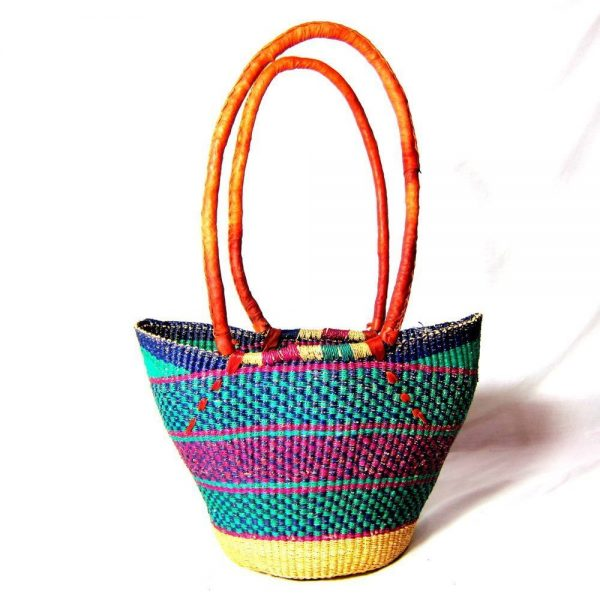 The long handle open shopping basket is one of our premium Bolga baskets, crafted from the best elephant grass by the best weavers.